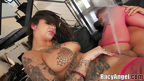 Squirting During Double Penetrations with Anal Slut Bonnie Rotten